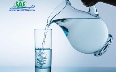 No all'acqua in bottiglia di plastica, sì alla sostenibilità