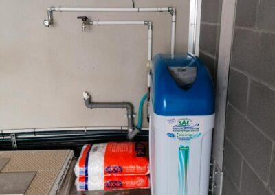 Addolcitore cabinato per acque di acquedotto installato a Parma | SAE TECNOLOGY
